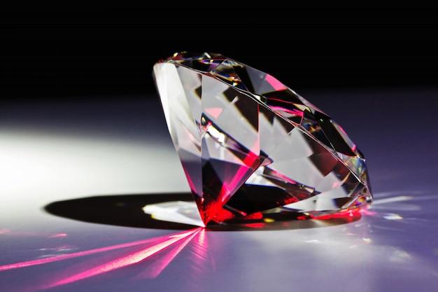 Diamant und roter laser Premium Fotos