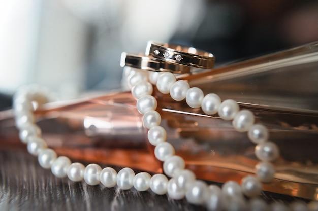 Diamanthochzeitsringe, abschluss oben Premium Fotos
