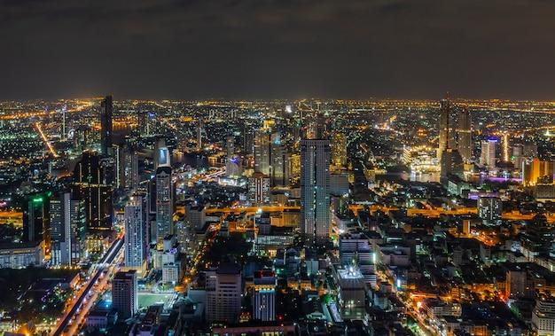 Die abend- und nachtlichter von bangkok aus einer ecke Premium Fotos