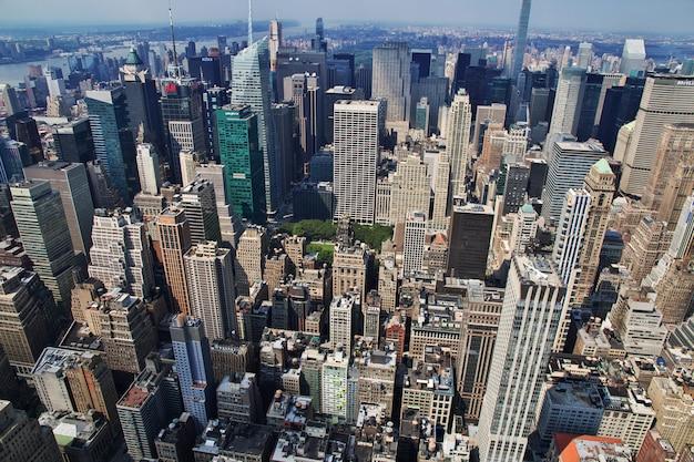Die ansicht vom empire state building in new york, vereinigte staaten Premium Fotos