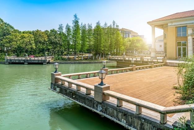 Die architekturlandschaft von jinji see in suzhou, china Premium Fotos