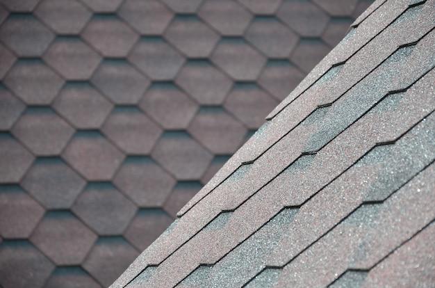 Die beschaffenheit des daches mit bituminöser beschichtung. Premium Fotos