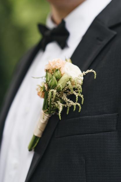 Die details der hochzeitstagvorbereitung des bräutigams Premium Fotos