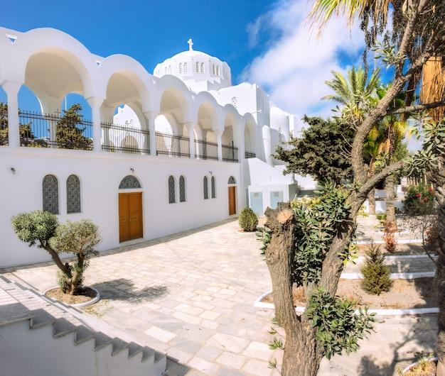 Die orthodoxe stadtkathedrale in fira, santorini Premium Fotos