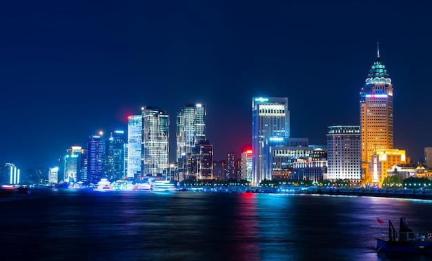 Die skyline der städtischen architekturlandschaft in der promenade, shanghai Premium Fotos