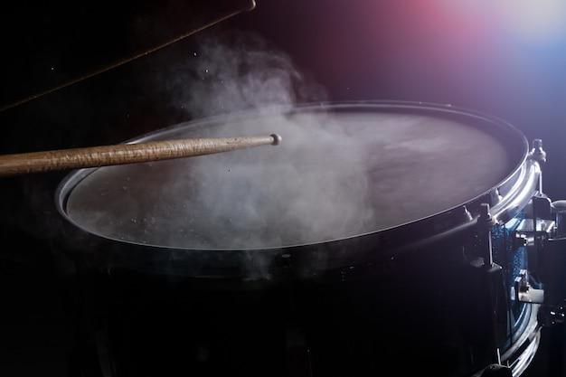 Die trommel klebt und die kleine trommel Premium Fotos
