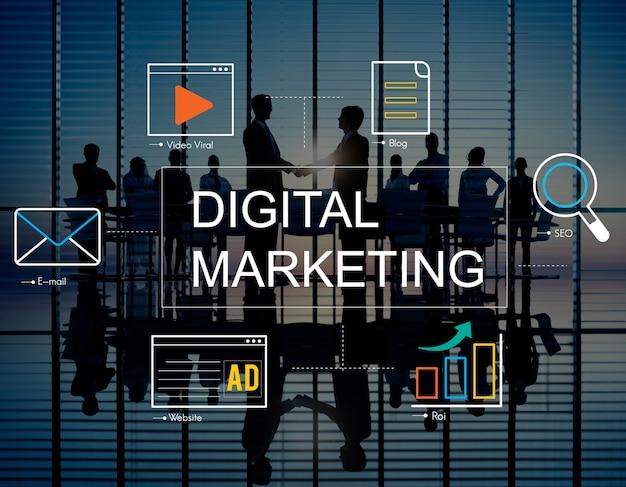 Digitales marketing mit ikonen und geschäftsleuten Kostenlose Fotos