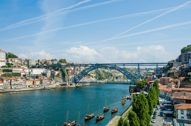 Dom luis brücke in porto, portugal Premium Fotos