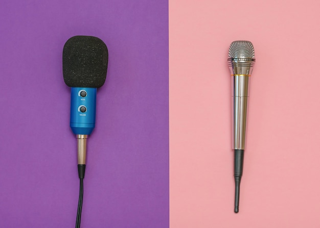 Drahtloses mikrofon und klassisches mikrofon mit kabel Premium Fotos