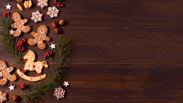 Draufsicht der lebkuchenplätzchenauswahl für weihnachten mit kopienraum Premium Fotos