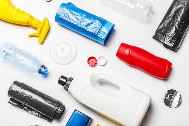 Draufsicht der plastikbehälter Premium Fotos