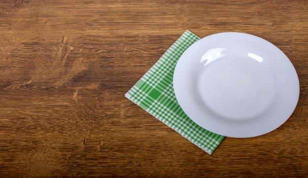 Draufsicht der sauberen leeren platte Premium Fotos