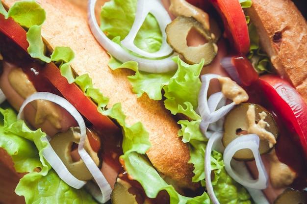 Draufsicht des inhalts der hotdogs, makro Premium Fotos