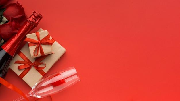 Draufsicht des valentinstagskonzepts mit kopienraum Kostenlose Fotos