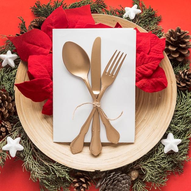 Draufsicht festliches weihnachtsgeschirr Kostenlose Fotos