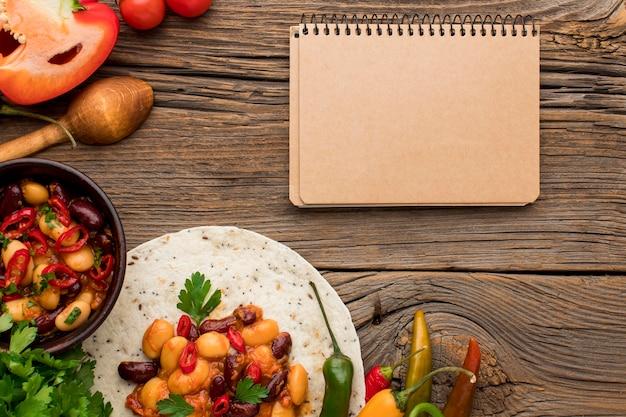 Draufsicht frisches mexikanisches essen auf dem tisch Kostenlose Fotos