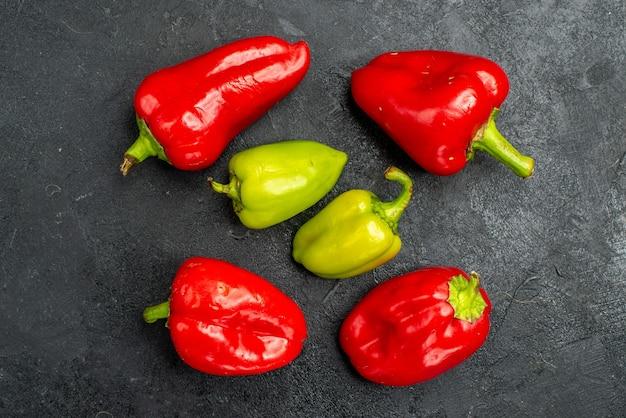 Draufsicht frisches paprika würziges gemüse Kostenlose Fotos