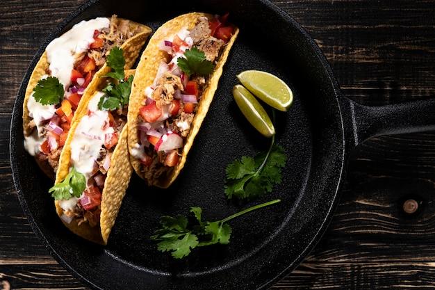 Draufsicht köstliche tacos mit fleisch Kostenlose Fotos