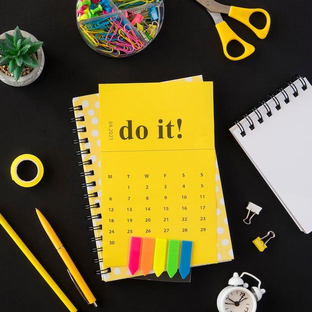 Draufsicht planer gelb tun es kalender Kostenlose Fotos