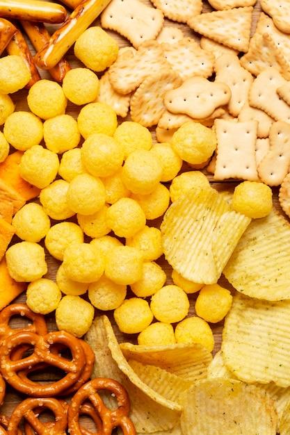 Draufsicht salzige snacks anordnung Kostenlose Fotos