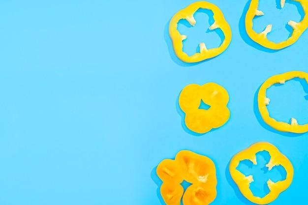 Draufsicht-sammlung von paprika mit kopierraum Kostenlose Fotos