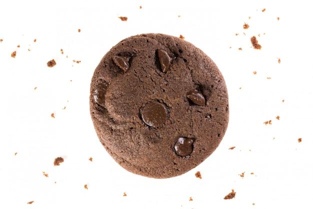 Draufsicht von schokoladenplätzchen mit den chips lokalisiert auf weißer, flacher lage des nachtischs und des bonbons Premium Fotos