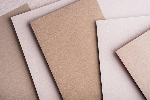 Draufsicht von verschiedenen papierblättern Kostenlose Fotos