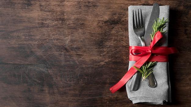 Draufsicht weihnachtsgeschirranordnung mit kopienraum Kostenlose Fotos
