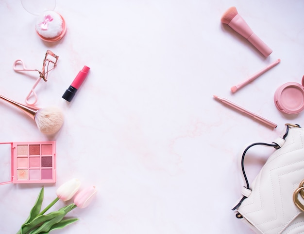Draufsicht-zusammensetzungssatz für professionelles make-up Premium Fotos