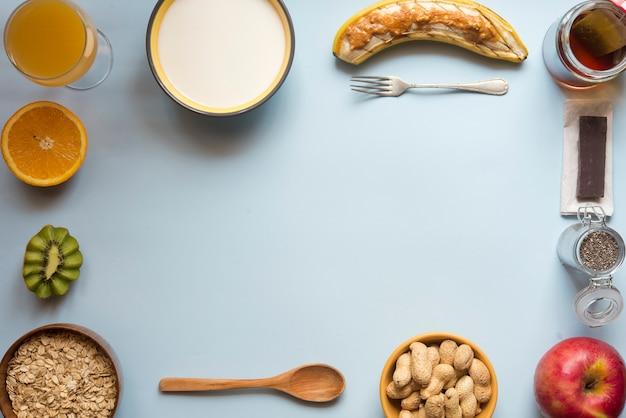 Draufsichtblau des gesunden frühstücks Premium Fotos