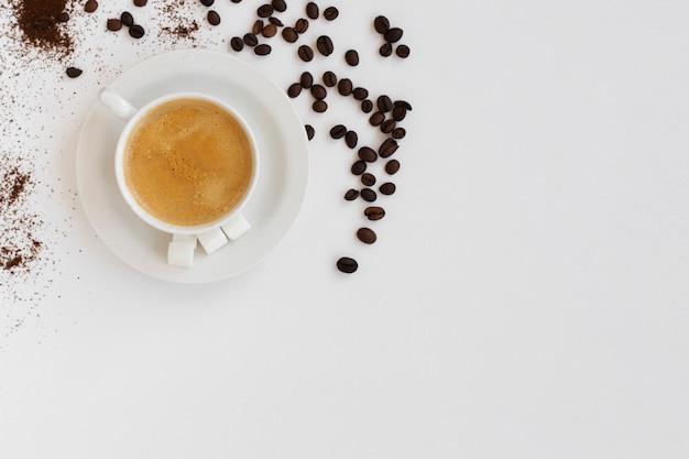 Draufsichtkaffeetasse mit kopienraum Kostenlose Fotos