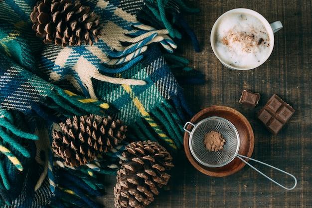 Draufsichtkaffeetasse mit schokolade Kostenlose Fotos
