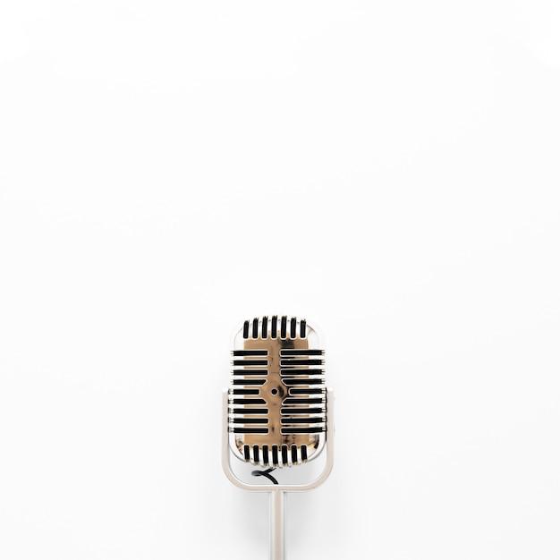 Draufsichtmikrofon auf weißem hintergrund Kostenlose Fotos