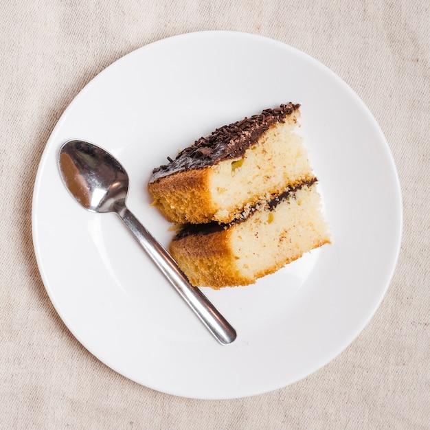 Draufsichtstück schokoladenkuchen Kostenlose Fotos