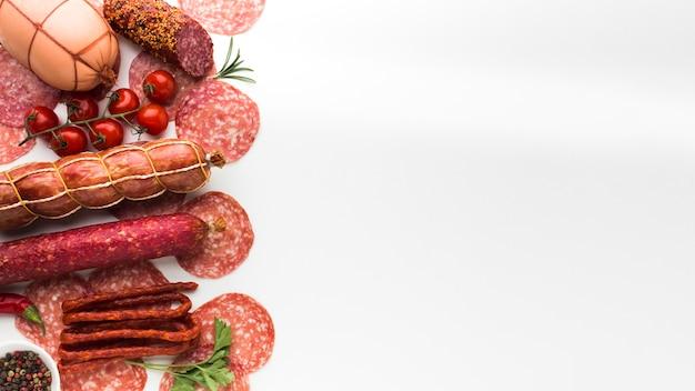 Draufsichtvielzahl des geschmackvollen fleisches mit kopienraum Premium Fotos
