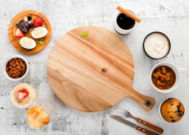 Draufsichtzusammenstellung von frühstücksbestandteilen Kostenlose Fotos