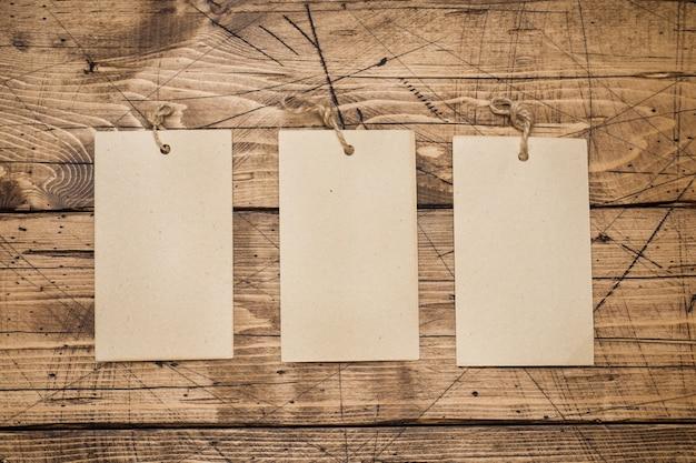Drei leere blätter für text Premium Fotos