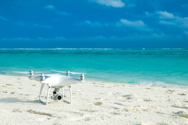 Drohne am strand Premium Fotos