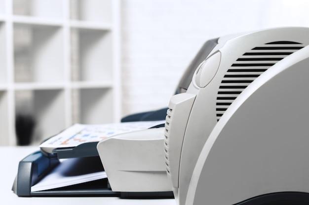 Drucker im büro Premium Fotos