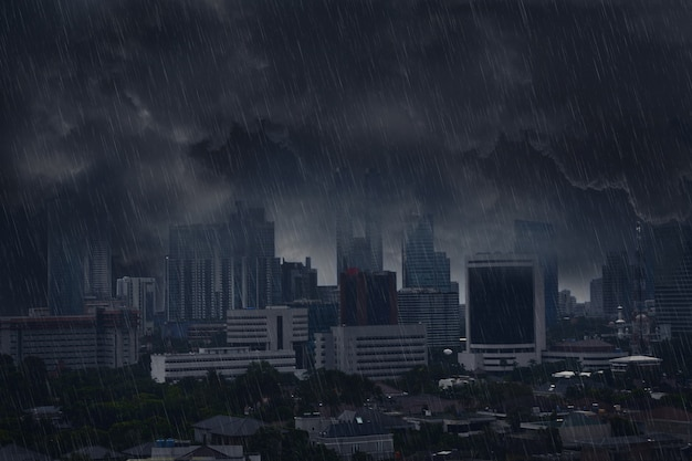 Dunkle regenwolke mit gewitter Premium Fotos