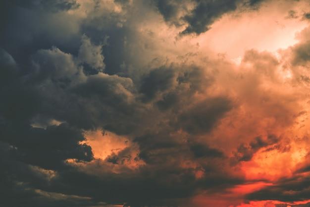 Dunkle sturmwolke Kostenlose Fotos