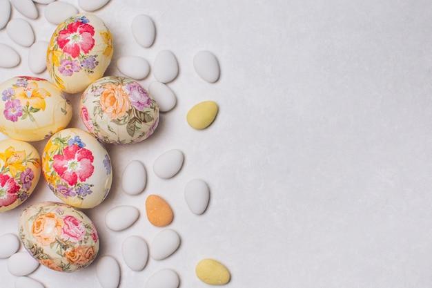 Eierblume decoupaged und dragees Kostenlose Fotos