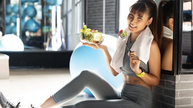 Eignung und gesundes lebensmittel, verlieren gewichtskonzept Premium Fotos