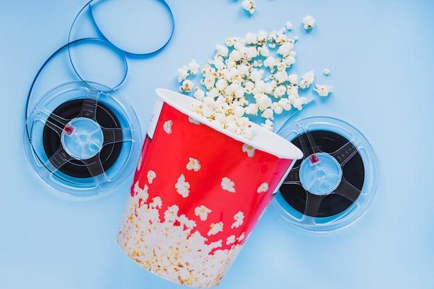 Eimer popcorn mit filmspulen Kostenlose Fotos