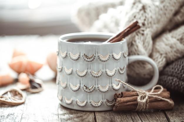 Ein gemütliches weihnachtstee cup stillleben Premium Fotos