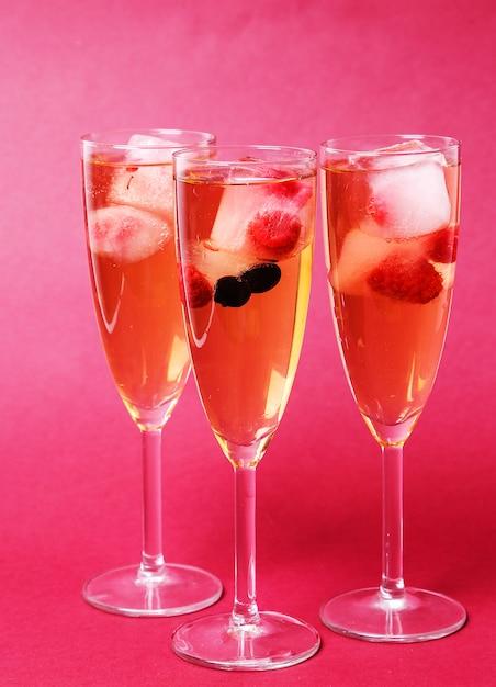 Ein glas champagner Kostenlose Fotos