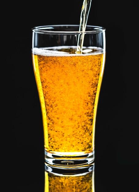 Ein glas makrophotographie des kalten bieres Kostenlose Fotos