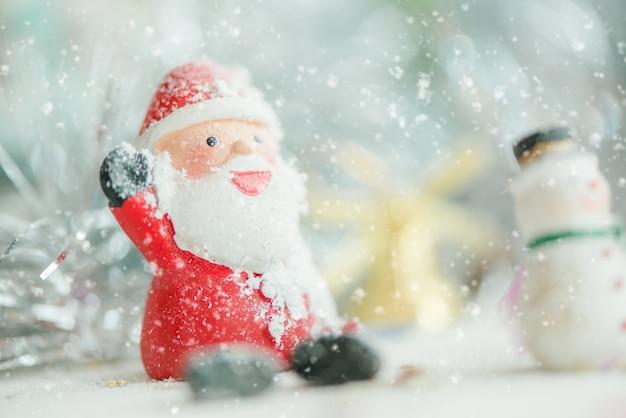 Ein Keramischer Weihnachtsmann Text Der Frohen Weihnachten Auf