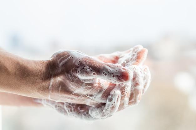 Frischluft Blasen mit seiner Ehestute