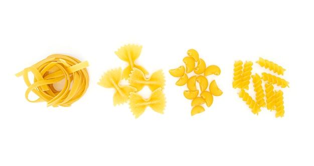 Eine art pasta, variationen italienischer pasta isoliert Premium Fotos